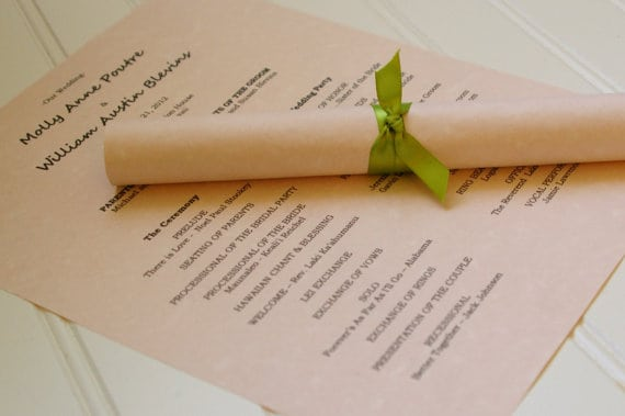 8 unique alternative ways to display your wedding program