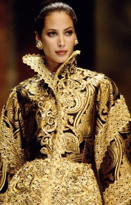 Wednesday wedding inspiration baroque 39 n 39 roll bespoke for Baroque art style characteristics