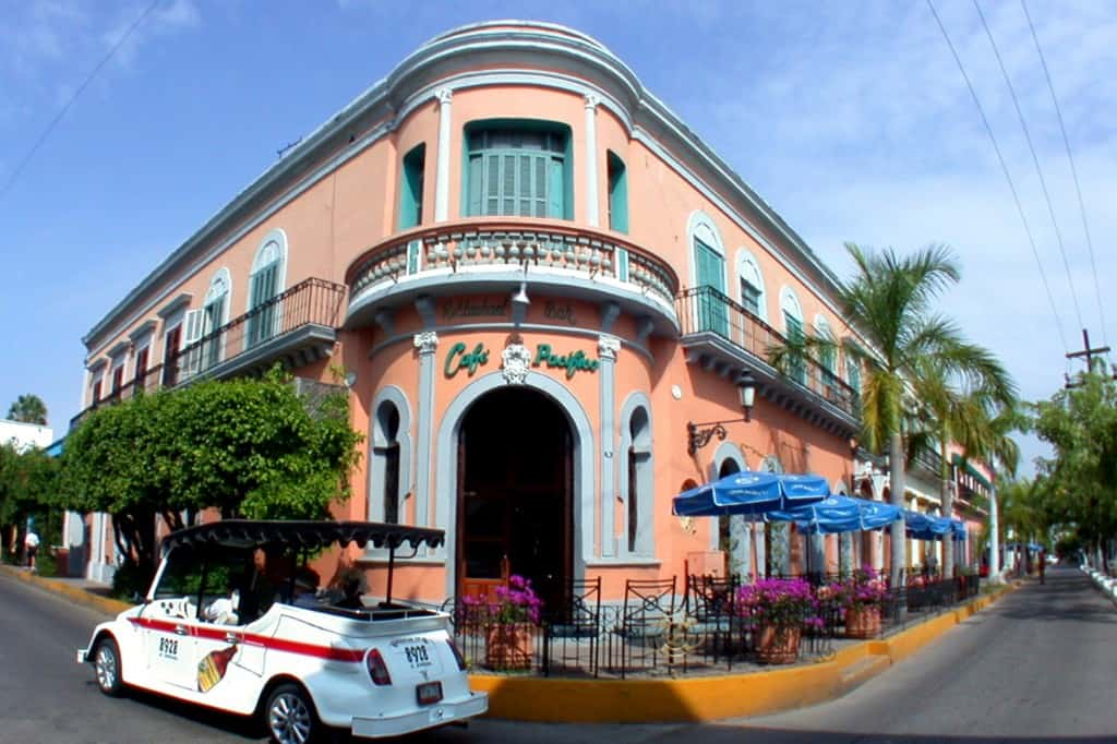 4CafePacificoColonialTown