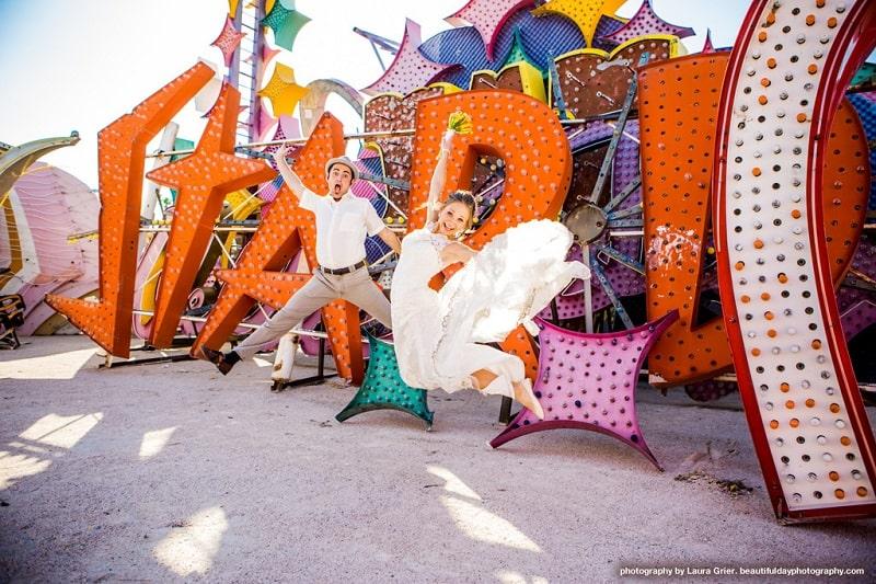 Vegas - Jumping Couple