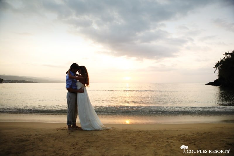 couples-sans-souci-wedding-sunset