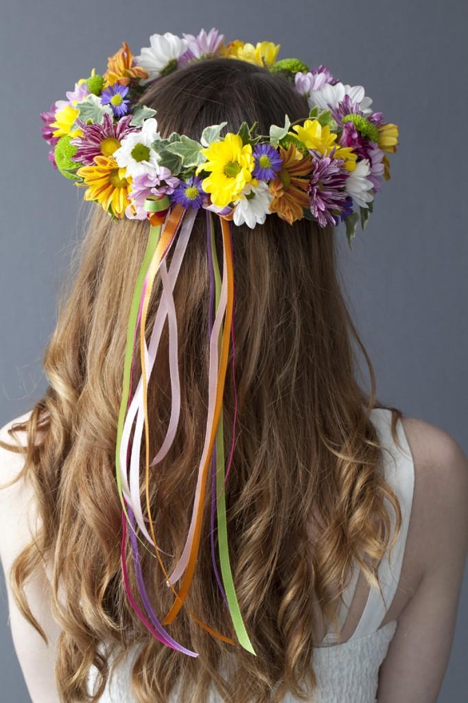 Vibrant-Hair-Garland-1