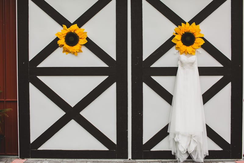 A DIY Rustic Sunflower Wedding (1)