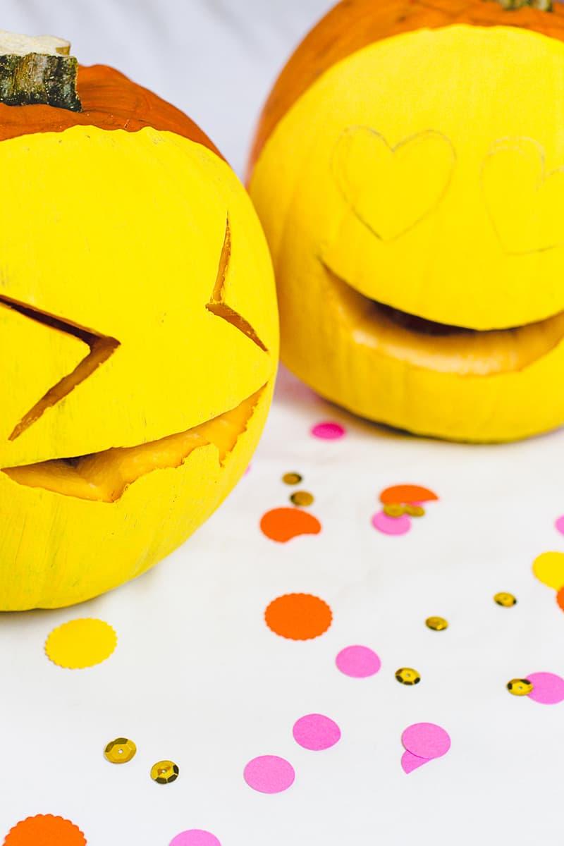 DIY Emoji Pumpkins Halloween Decor Fun Painting Tutorial-2