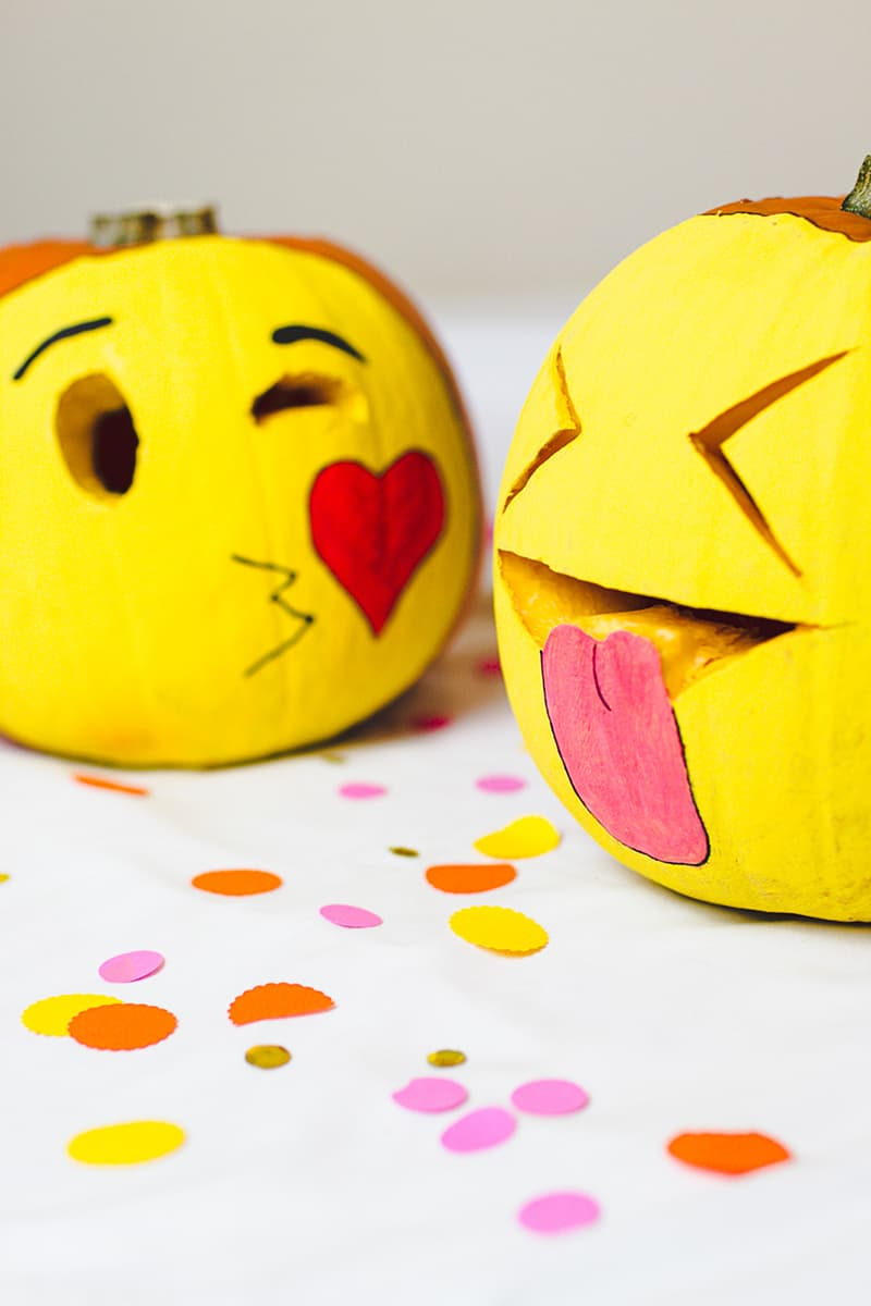 Diy pumpkin emojis for halloween decor and carving crafts for Decoration emoji