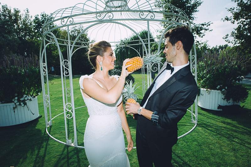 Pineapple Styled Summer Wedding Inspiration Bridal Fashion Unique Bride-17