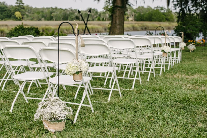 A Carefree & Romantic Rustic Wedding (8)