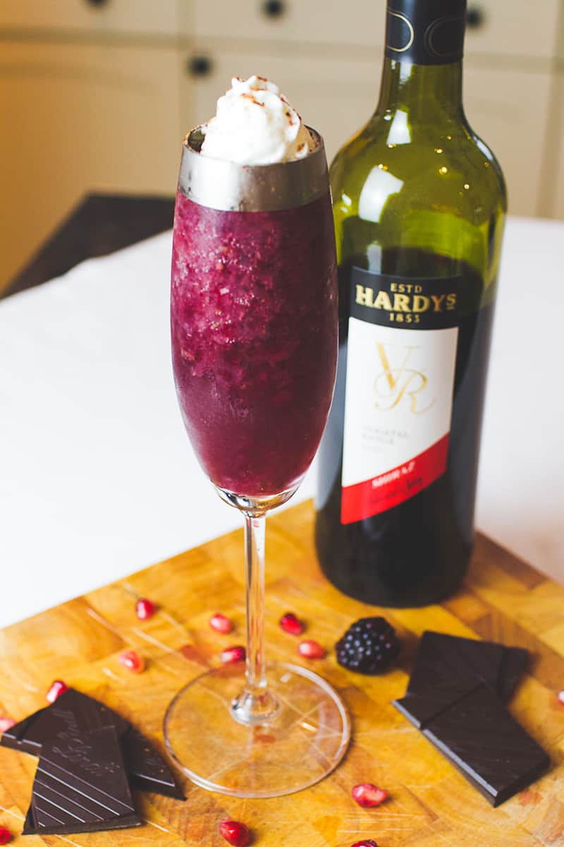 Red wine cocktail recipes for winter christmas drinks for Mix drinks with wine