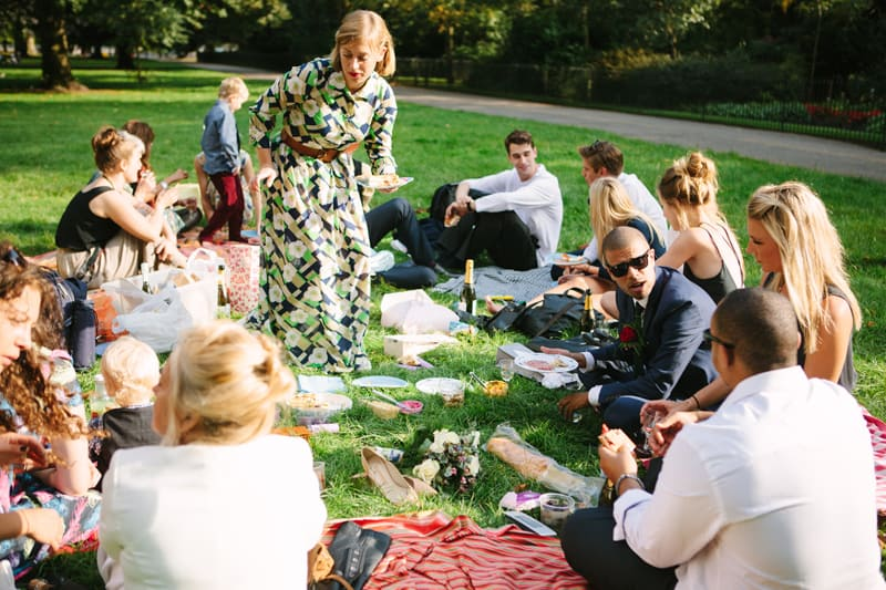 Stylish, Intimate Family Picnic Wedding (18)