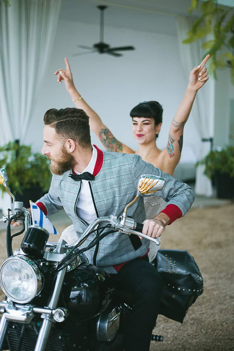 Winter wedding inspiration style with rockabilly fashion from zebra