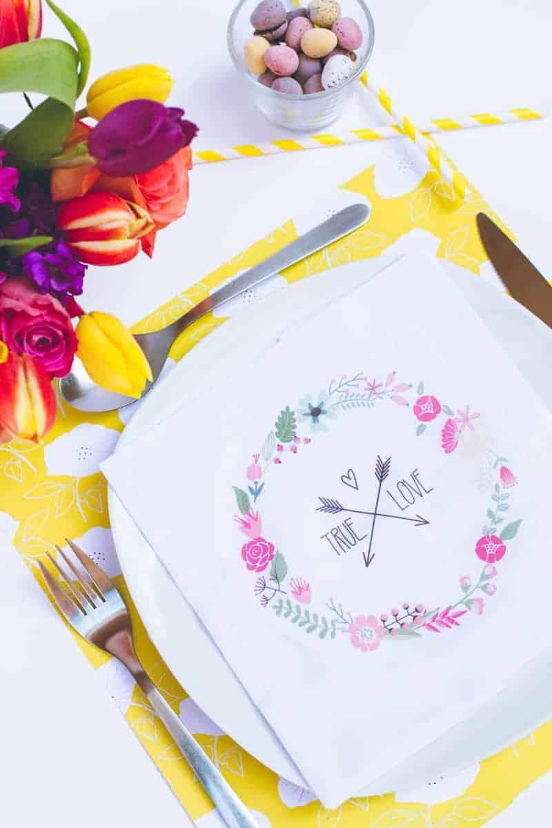 DIY True Love Flower Napkins Vector Wreath Wedding Tutorial_-2