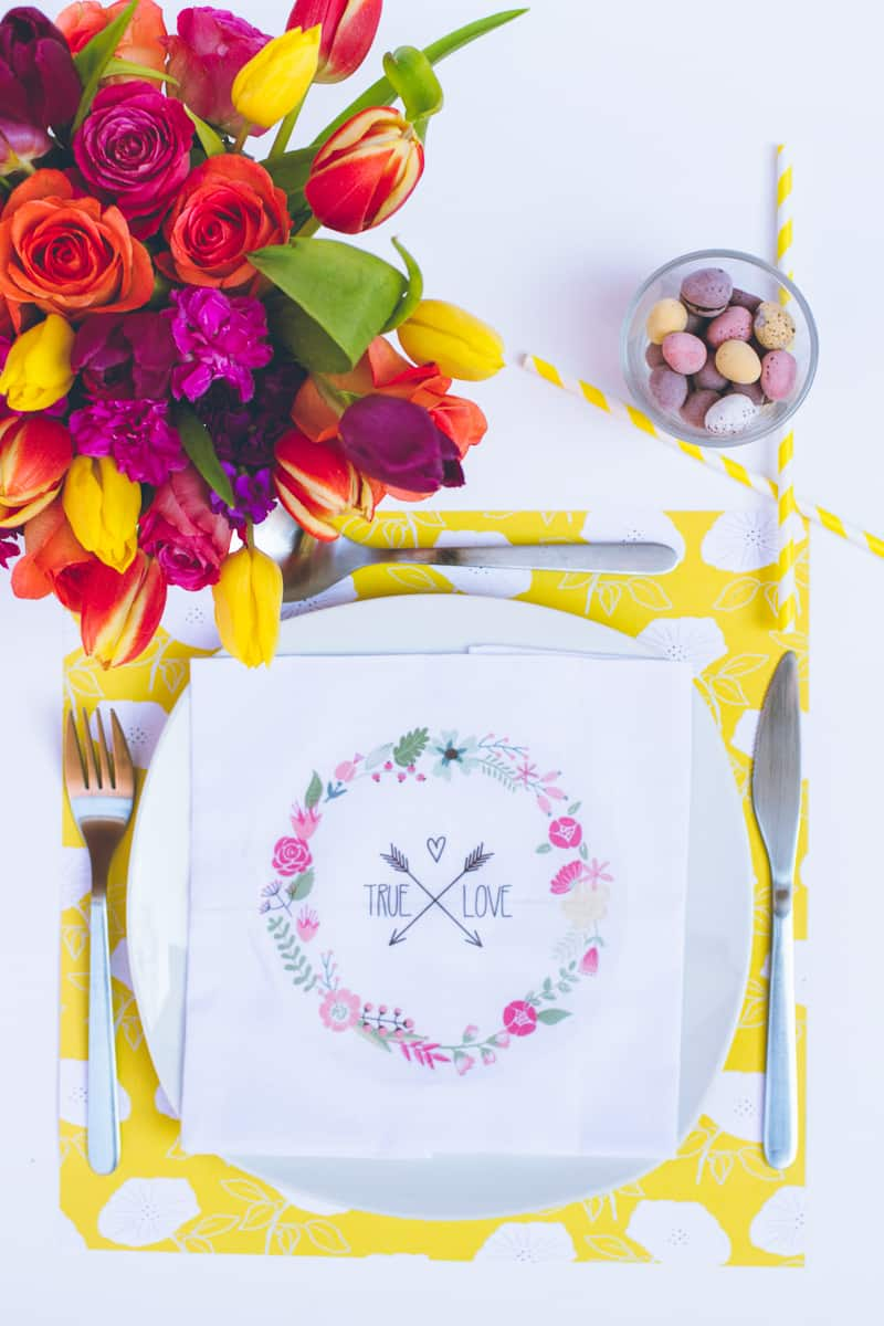 DIY True Love Flower Napkins Vector Wreath Wedding Tutorial_
