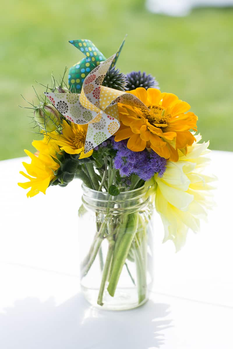 Pinwheel Themed Wedding with Colourful Sunflowers Backyard Inspiration-14