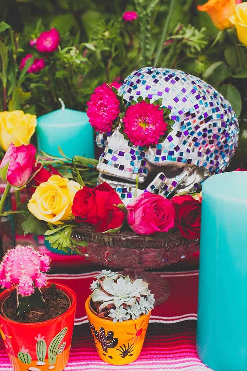 18 DIY Mosaic Skull Mexican Wedding Inspiration Tutorial Dia de los muertos