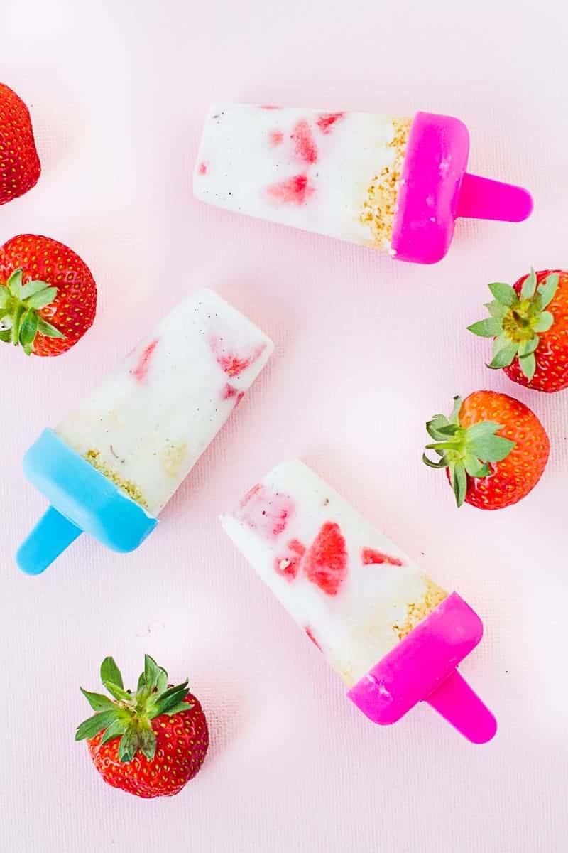 DIY strawberry Shortbread Popsicles Ice lolly yogurt recipe vanilla