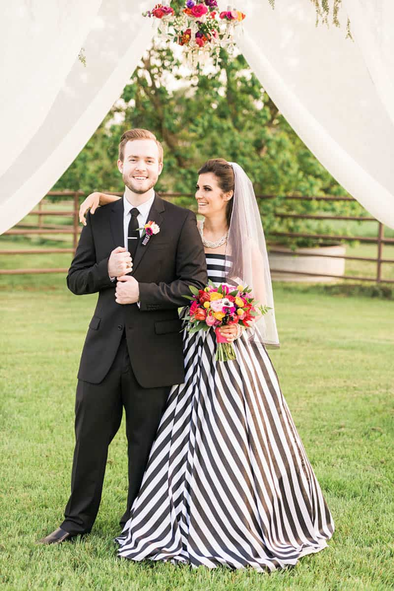 KATE SPADE INSPIRED WEDDING WITH A BLACK AND WHITE STIPE BRIDAL ...