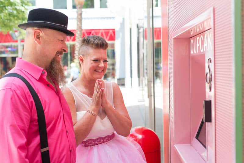 PINK TO MAKE THE BOYS WINK! AN ECLECTIC LAS VEGAS ELOPEMENT (49)