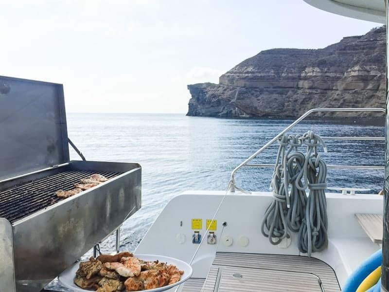 Santorini Oia Travel Guide Reccomendations Honeymoon Colourful Place Greece_-122