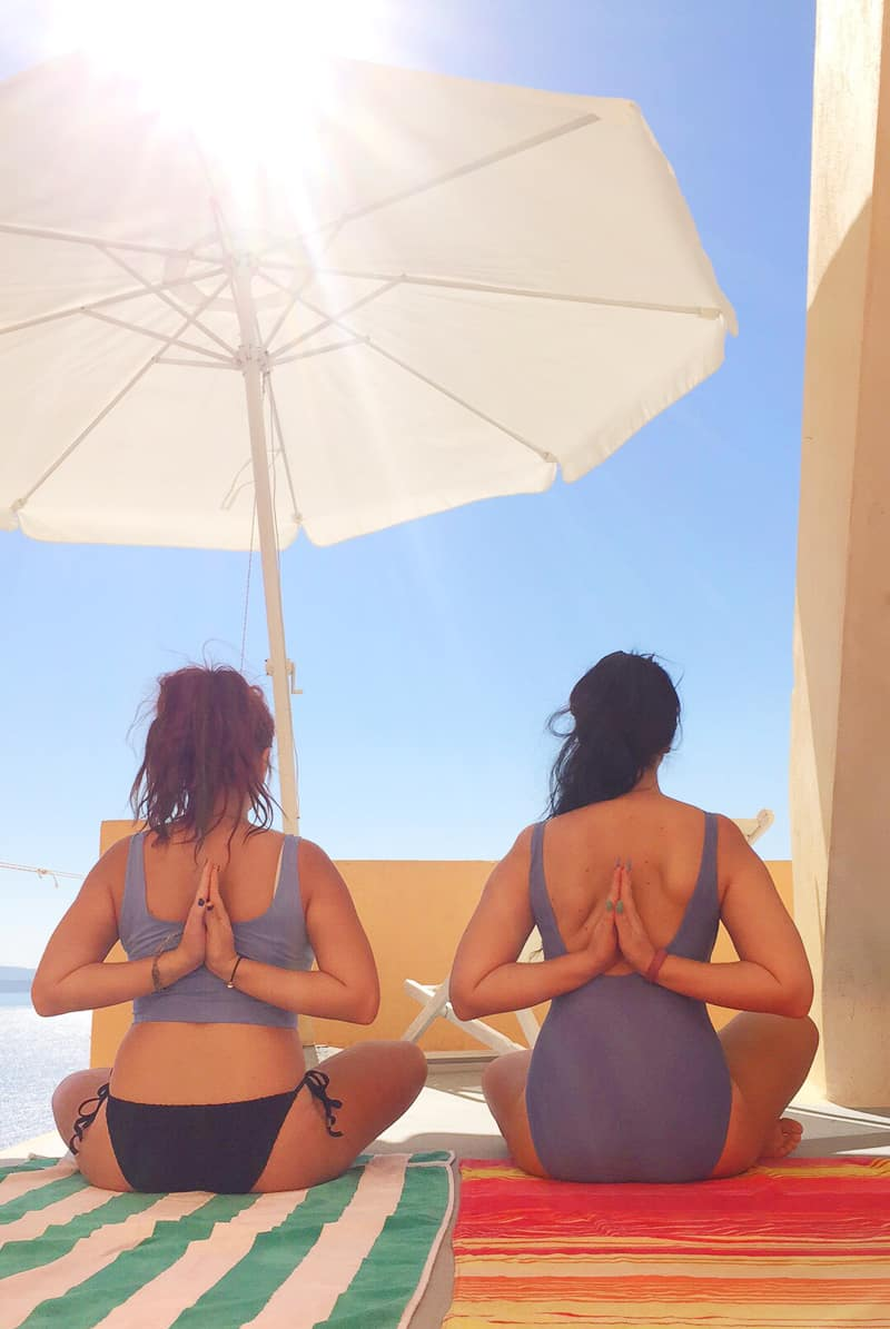 Santorini Oia Travel Guide Reccomendations Honeymoon Colourful Place Greece_-139