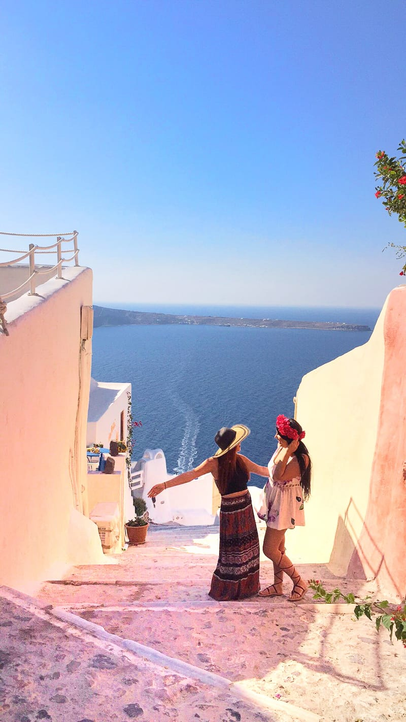 Santorini Oia Travel Guide Reccomendations Honeymoon Colourful Place Greece_-145