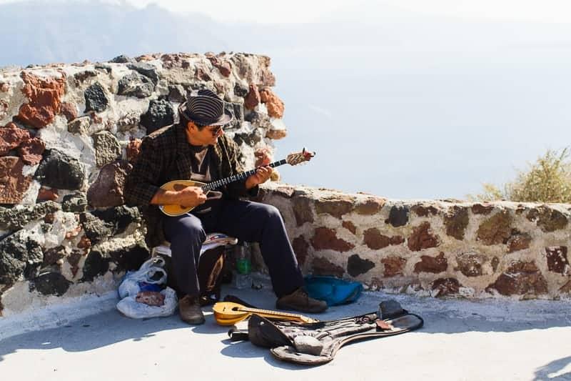 Santorini Oia Travel Guide Reccomendations Honeymoon Colourful Place Greece_-67