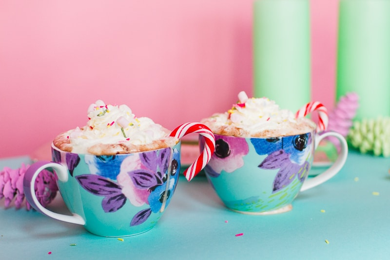 Hot chocolate bar oliver bonas pastel themed decoration christmas xmas styling mint pink blue pine cones mugs festive pretty modern DIY how to-12