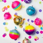 3 FUN WAYS TO DECORATE YOUR CHRISTMAS BAUBLES