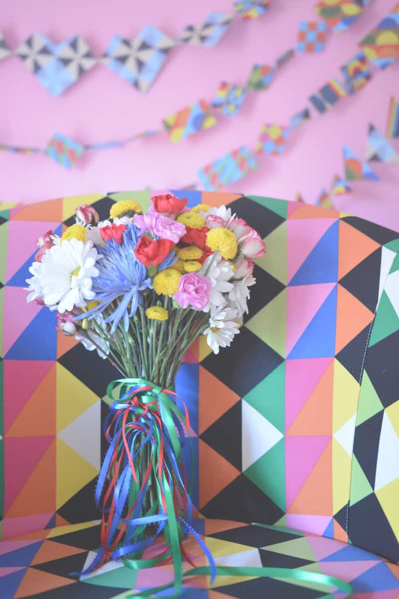 Groovy 70s wedding inspiration with bold geometric prints and flowers 11