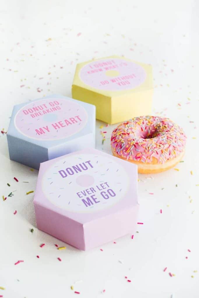 DIY donut boxes valentines day puns doughnuts case cute fun tutorial free printable-10