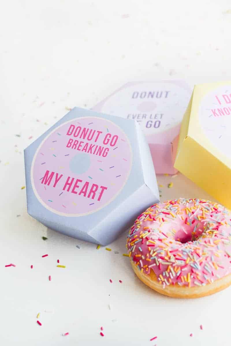 DIY donut boxes valentines day puns doughnuts case cute fun tutorial free printable-17