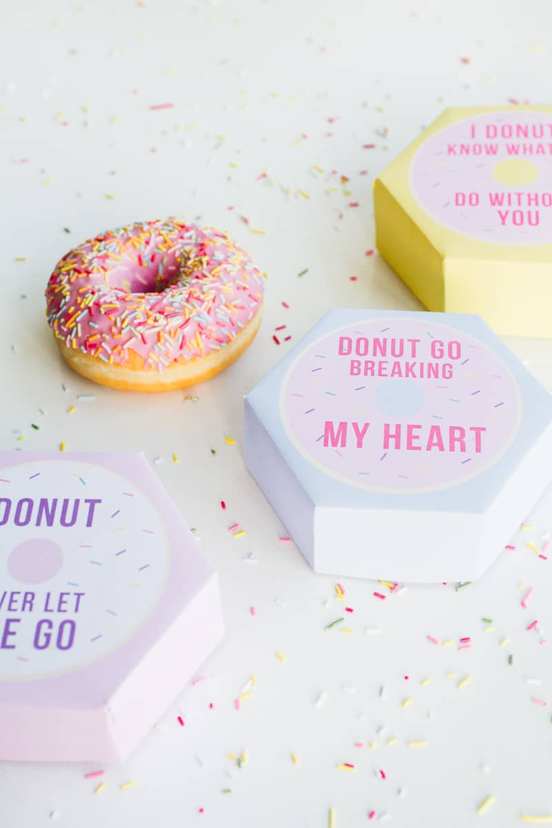 DIY donut boxes valentines day puns doughnuts case cute fun tutorial free printable-2