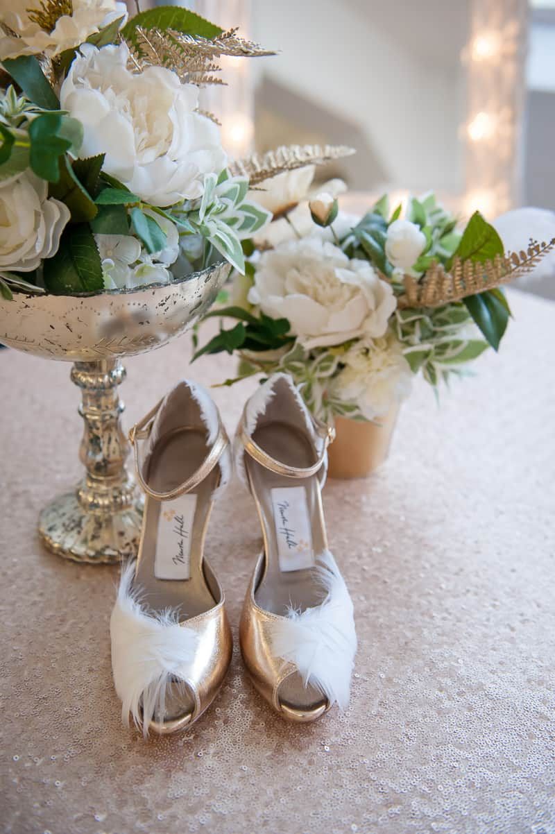 VAUDEVILLE VALENTINE Wedding inspiration Art Deco 1920s theme broadway bright lights and feathers_-12