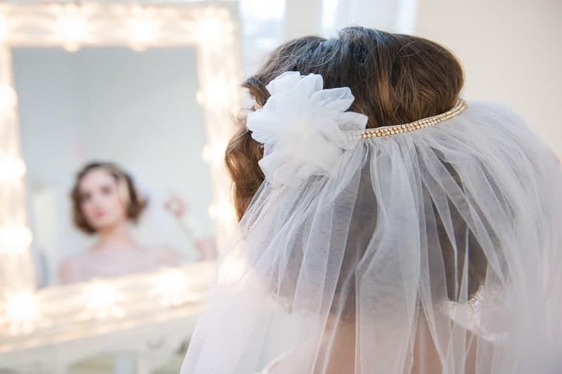 VAUDEVILLE VALENTINE Wedding inspiration Art Deco 1920s theme broadway bright lights and feathers_-36