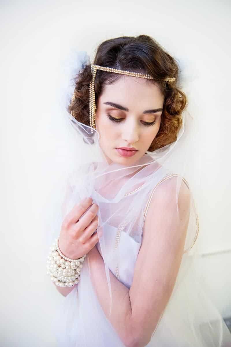 VAUDEVILLE VALENTINE Wedding inspiration Art Deco 1920s theme broadway bright lights and feathers_-37