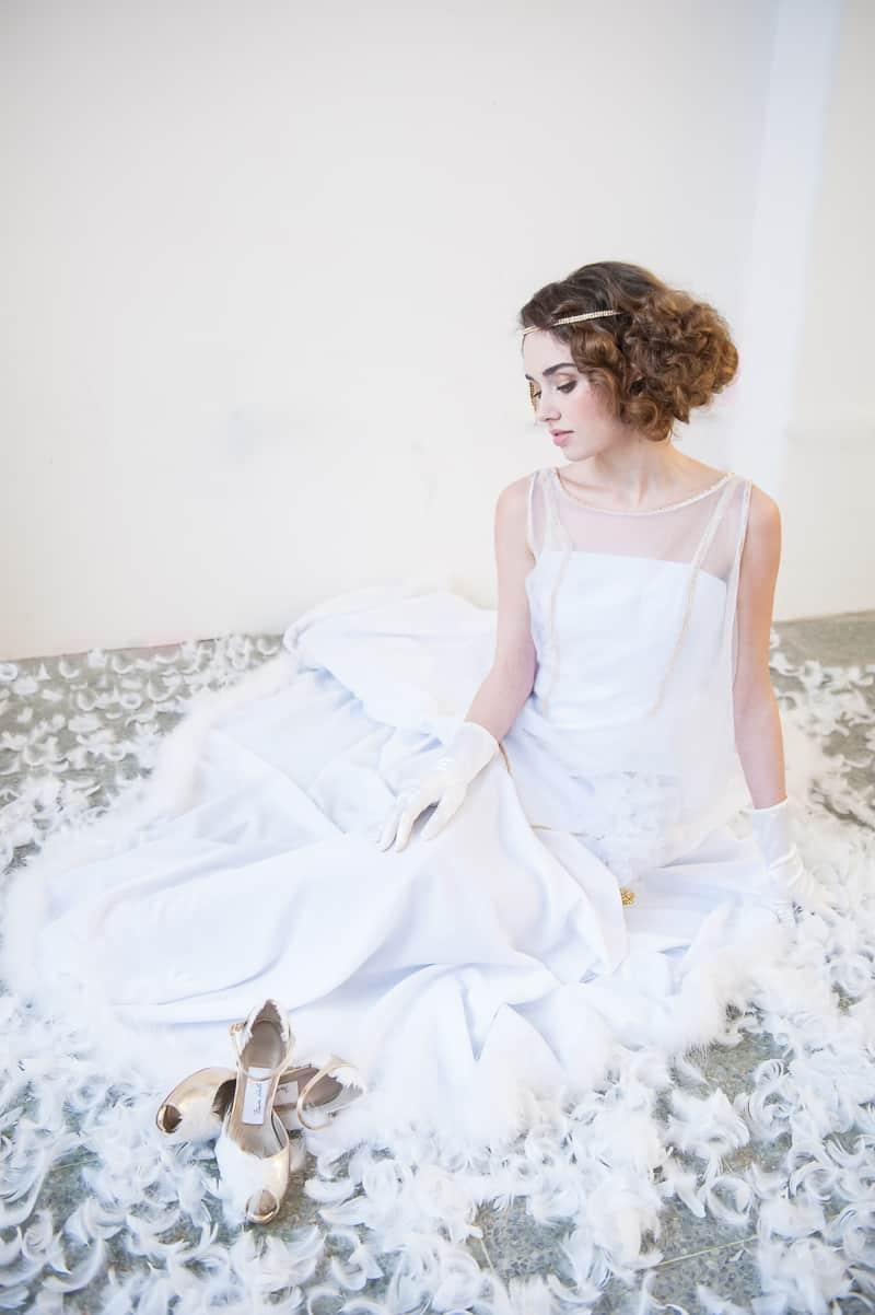 VAUDEVILLE VALENTINE Wedding inspiration Art Deco 1920s theme broadway bright lights and feathers_-42
