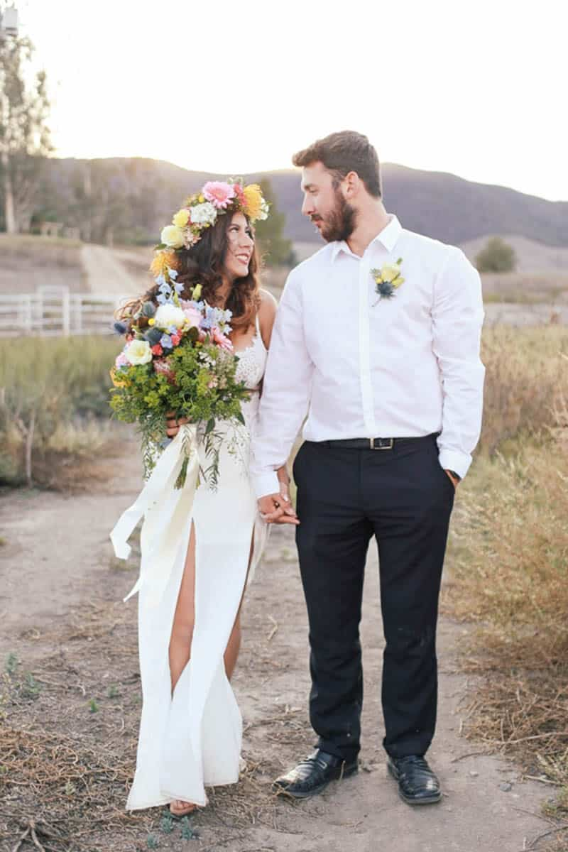 WHY ELOPING IS BETTER THAN A WEDDING - STYLED INTIMATE BOHEMIAN ELOPEMENT (24)