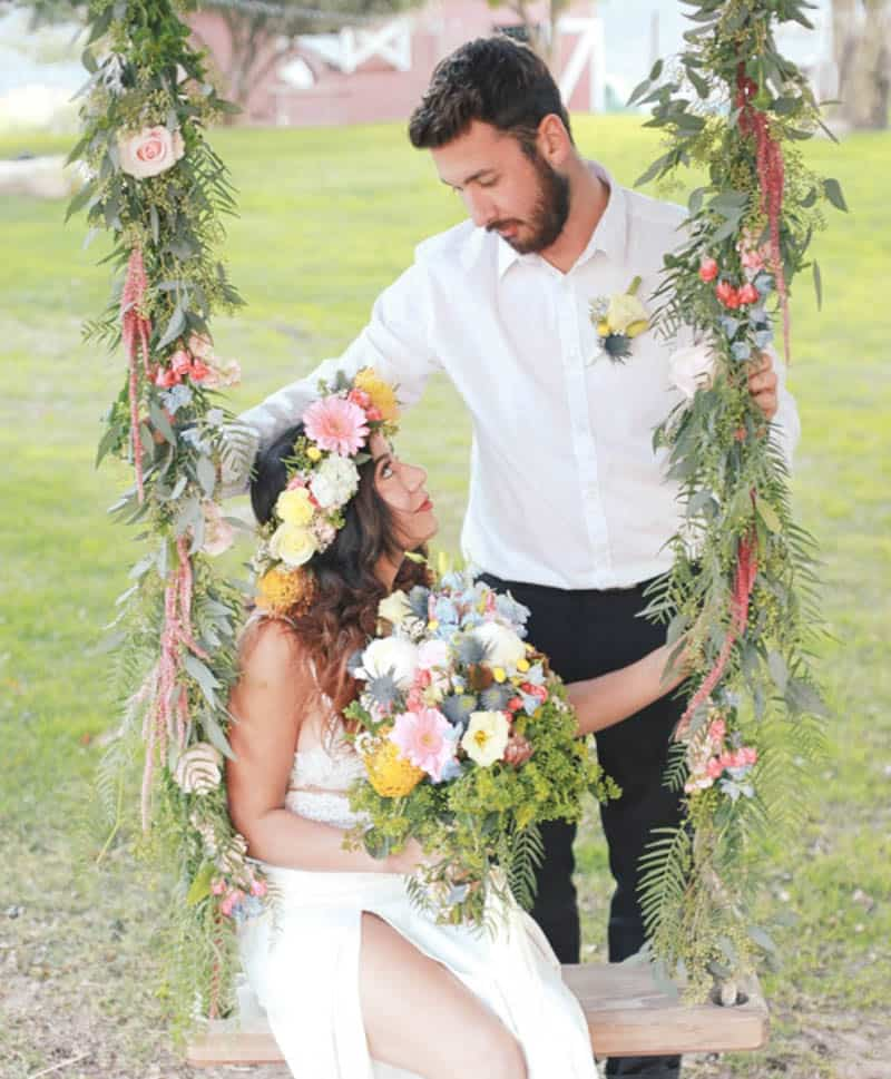 WHY ELOPING IS BETTER THAN A WEDDING - STYLED INTIMATE BOHEMIAN ELOPEMENT (26)