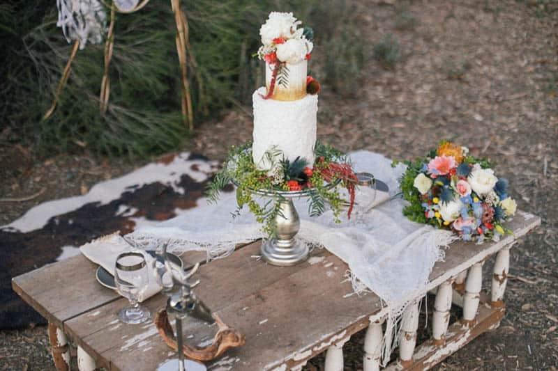 WHY ELOPING IS BETTER THAN A WEDDING - STYLED INTIMATE BOHEMIAN ELOPEMENT (28)