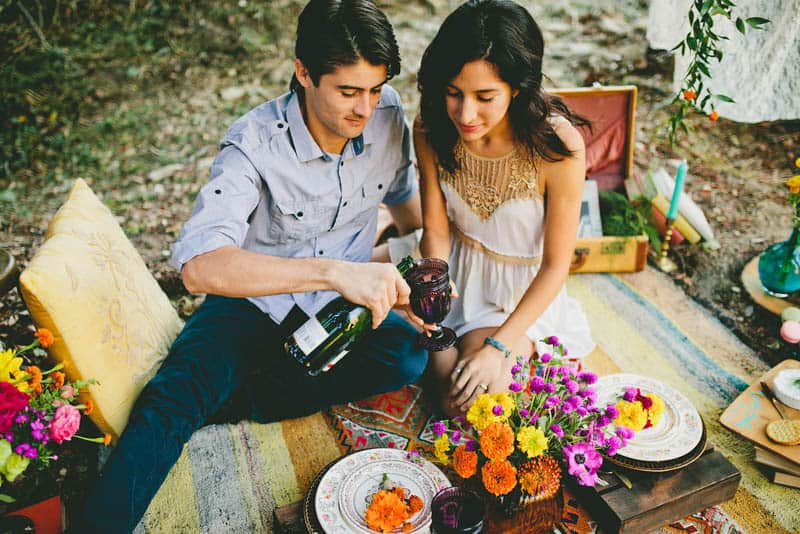 How to make your engagement shoot more personal - a colourful whimsical outdoor picnic engagement on the beach (9)