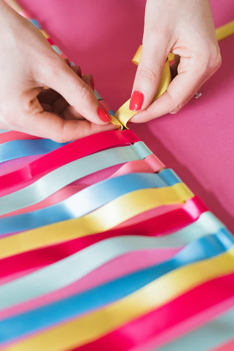 DIY colourful ribbon table plan unique alternative escort cards-12