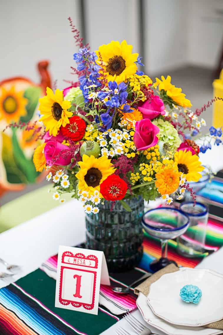 How-to-style-a-mexican-themed-table-wedding-inspiration-18