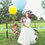 THIS CUTE DIY WEDDING IN A VILLAGE HALL IS EVERY CRAFTER'S DREAM!