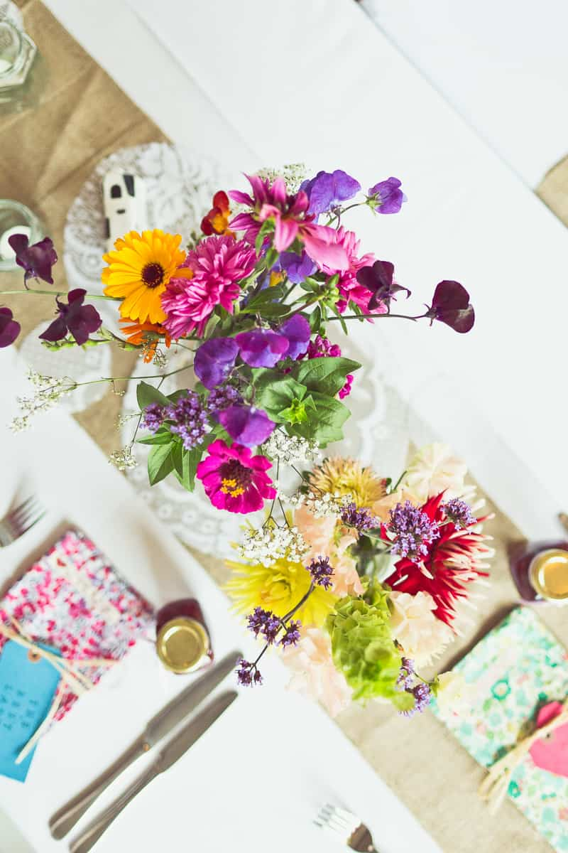 THIS CUTE DIY WEDDING IN A VILLAGE HALL IS EVERY CRAFTER'S DREAM! (6)