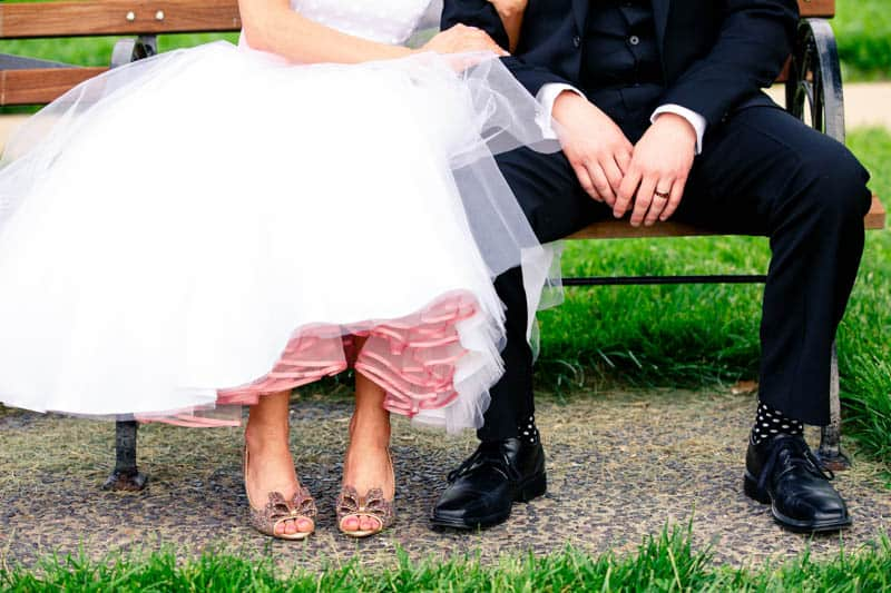 A CASUAL LAID BACK WEDDING WITH THE BRIDE IN A CANDY ANTHONY DRESS (20)