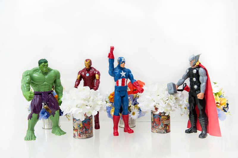 GEEK CHIC SUPERHERO COMIC BOOK STYLED MARVEL WEDDING SHOOT (14)