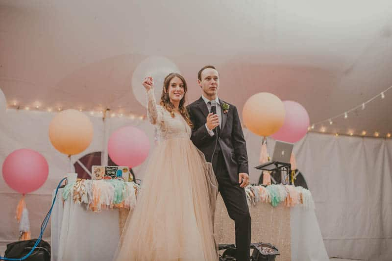 HOW TO THROW A WEDDING YOUR GUESTS WILL LOVE! (25)
