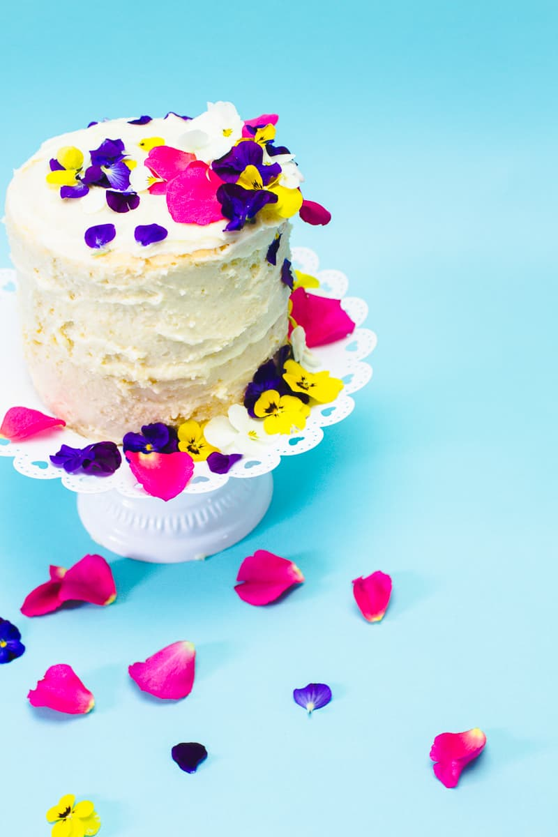 How to decorate naked cake edible flower crumb coat make your own wedding cake DIY tutorial-5