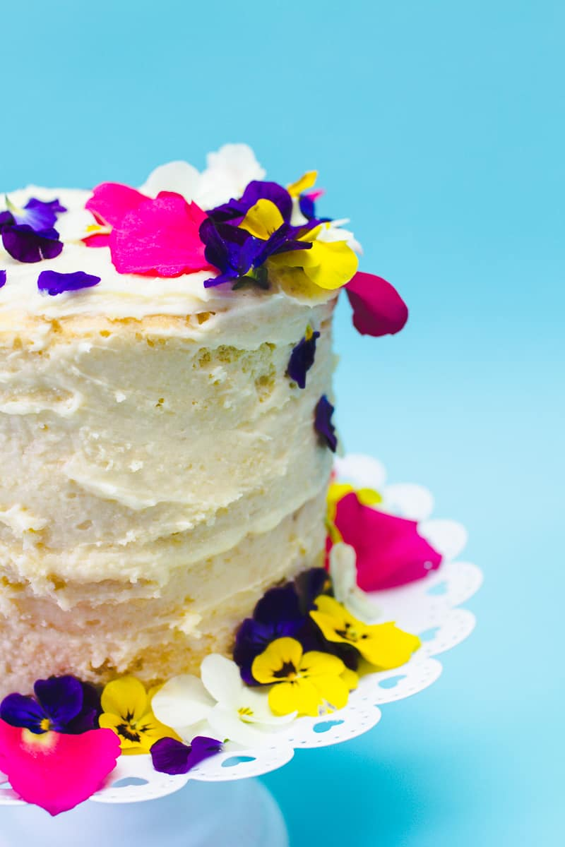 How to decorate naked cake edible flower crumb coat make your own wedding cake DIY tutorial-7