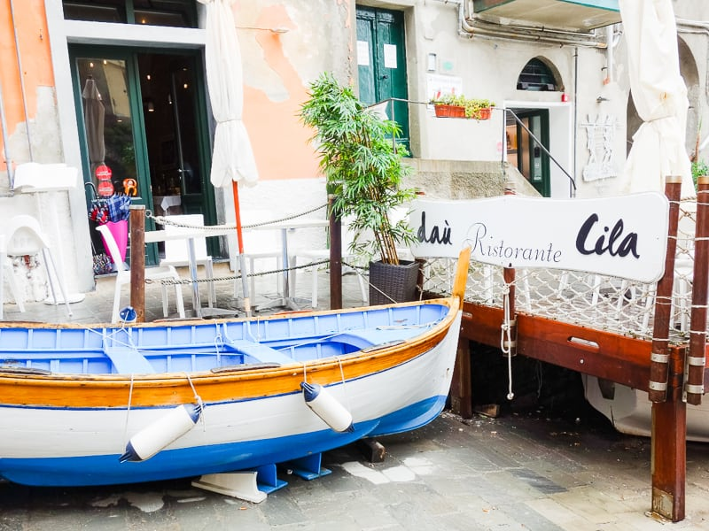 Cinque Terre Travel Guide Train Hiking Italy Information Advice Reccomendation Colourful_-28