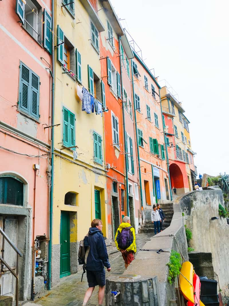 Cinque Terre Travel Guide Train Hiking Italy Information Advice Reccomendation Colourful_-30